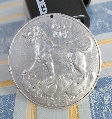 Médaille de guerre britannique 1939-1945 ... George VI ... 7a28