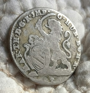 León  y escudo de armas  820