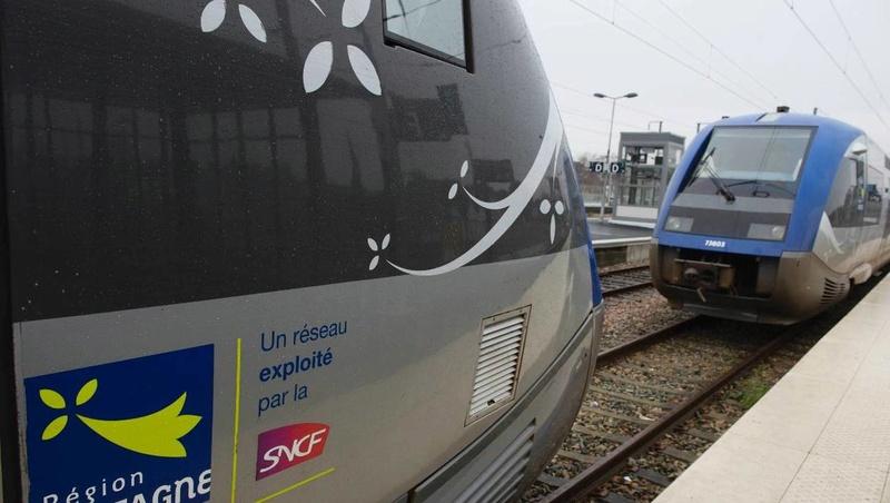 Ca coince dans le train entre Rennes et St Malo 9495b710