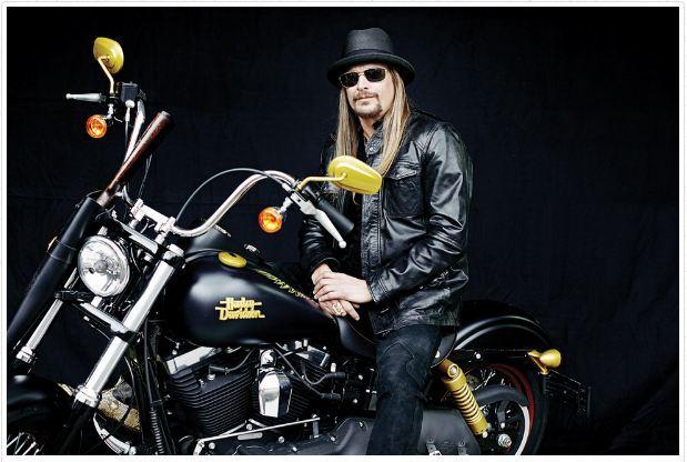 Ils ont posé avec une Harley, uniquement les People - Page 20 Kid-ro10