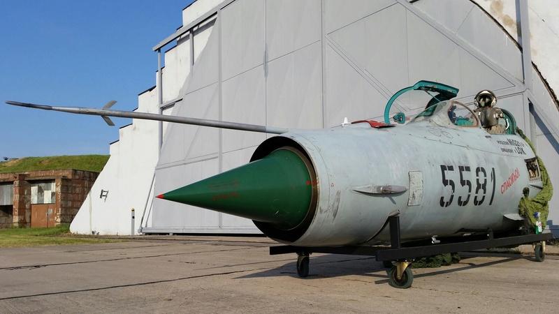 MiG-21 MFN (Eduard 1/48) 13305110