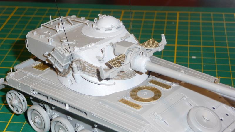 AMX-13/75 w/SS-11 ATGM 1/35 ( Takom 2038 ) *** Terminé en pg 4 P1230534