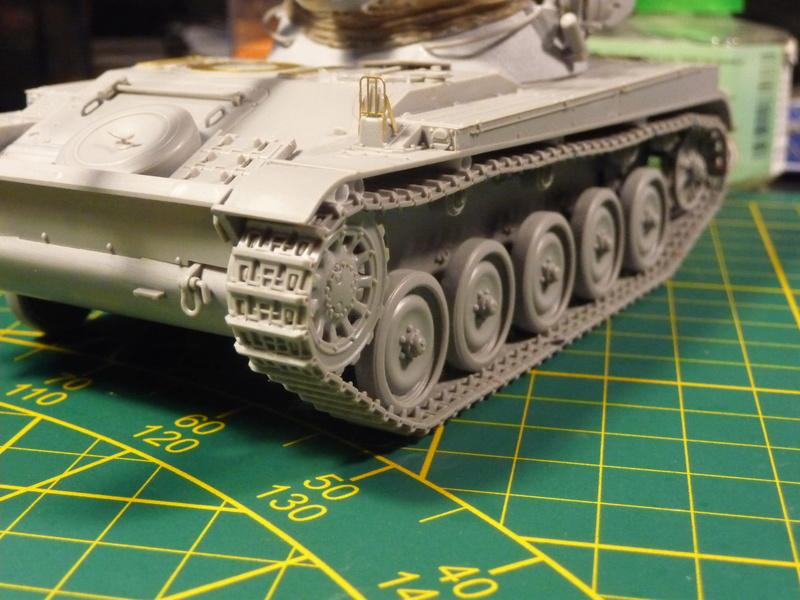 AMX-13/75 w/SS-11 ATGM 1/35 ( Takom 2038 ) *** Terminé en pg 4 P1230611