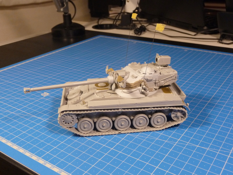 "mon deuxième montage:Sherman M4A3E8 ""Fury"" P1230619"