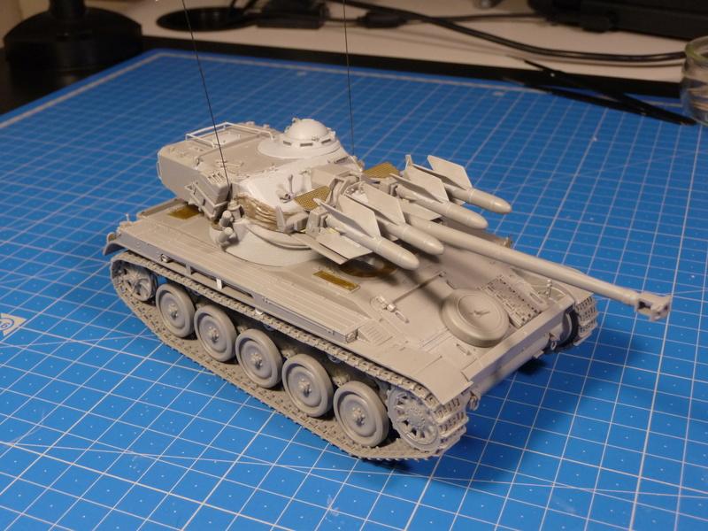 AMX-13/75 w/SS-11 ATGM (Takom 1/35) - Page 2 P1230712