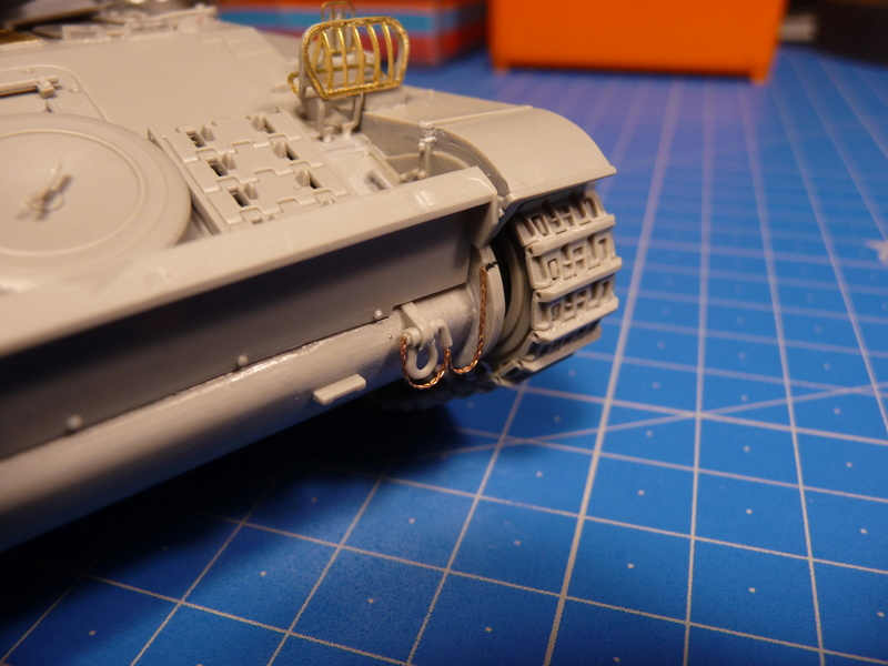 AMX-13/75 w/SS-11 ATGM (Takom 1/35) - Page 2 P1230722