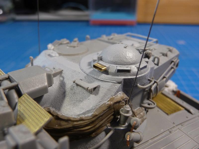 AMX-13/75 w/SS-11 ATGM (Takom 1/35) - Page 3 P1240413