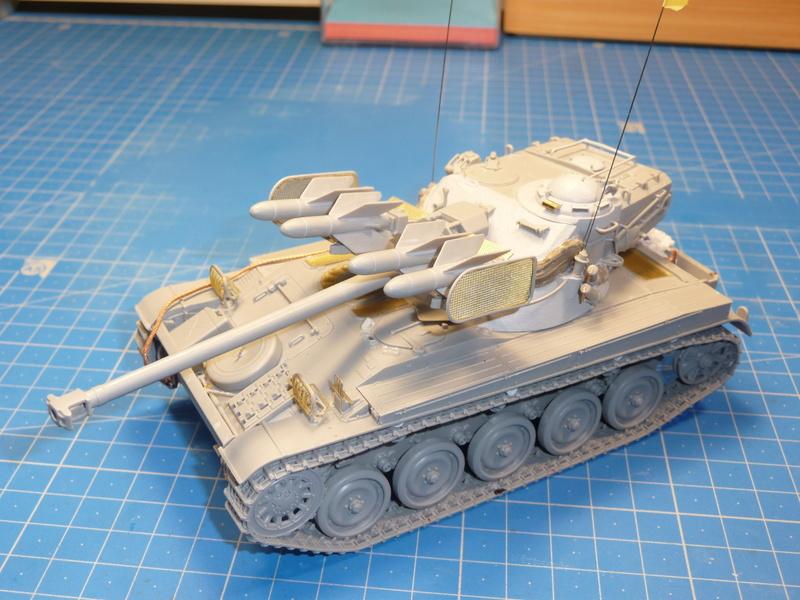 AMX-13/75 w/SS-11 ATGM (Takom 1/35) - Page 3 P1240416