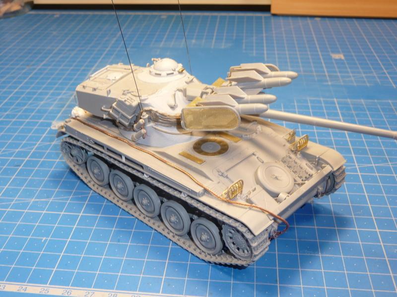 AMX-13/75 w/SS-11 ATGM (Takom 1/35) - Page 3 P1240418