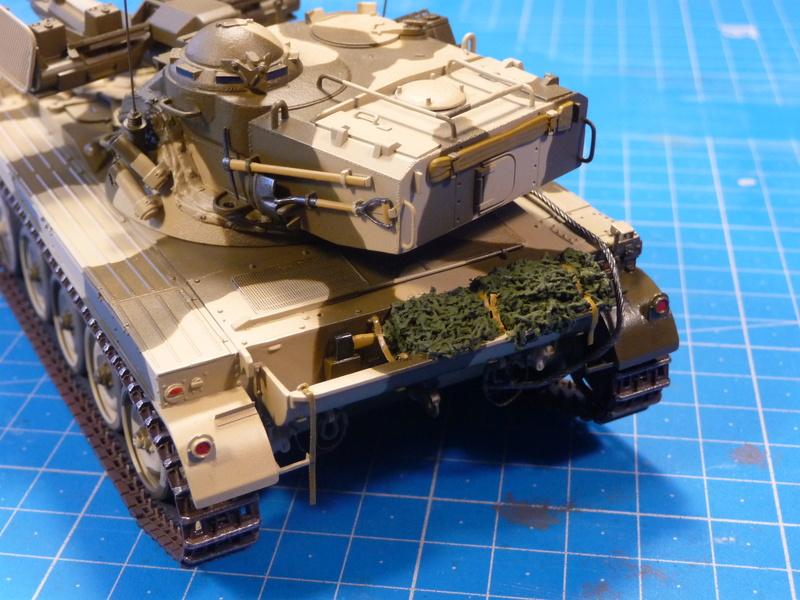 AMX-13/75 w/SS-11 ATGM (Takom 1/35) - Page 3 P1240925