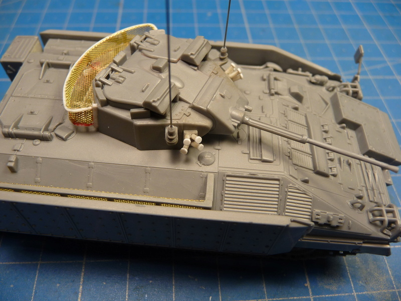 Warrior MCV with add-on armour 1/72 ( Revell 03144 ) *** Terminé en pg 2 P1270010