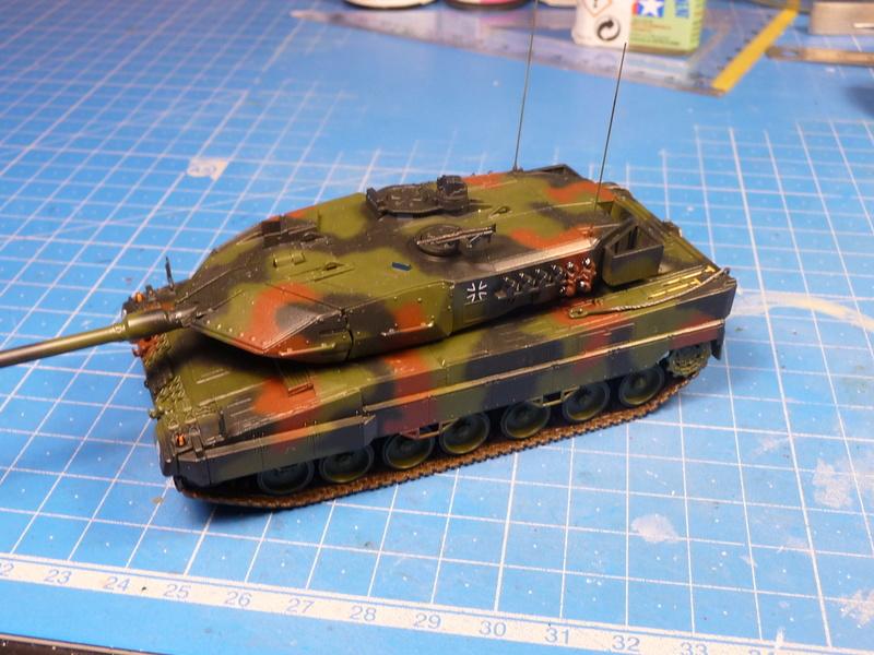 Leopard 2A6/A6M 1/72 ( Revell 03180 ) *** Terminé en pg 2 - Page 2 P1270110