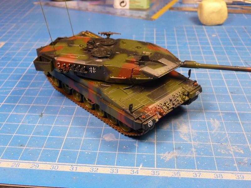Leopard 2A6/A6M 1/72 ( Revell 03180 ) *** Terminé en pg 2 - Page 2 P1270111
