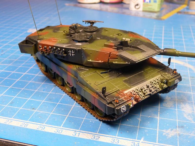 Leopard 2A6/A6M 1/72 ( Revell 03180 ) *** Terminé en pg 2 - Page 2 P1270112