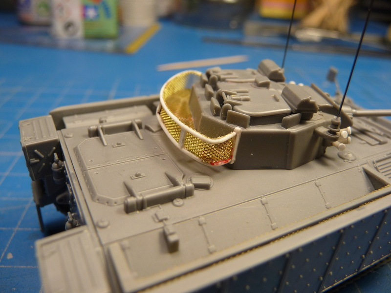 Warrior MCV with add-on armour 1/72 ( Revell 03144 ) *** Terminé en pg 2 P1270115