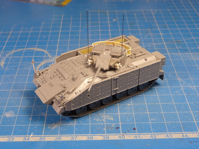Warrior MCV with add-on armour 1/72 ( Revell 03144 ) *** Terminé en pg 2 P1270117