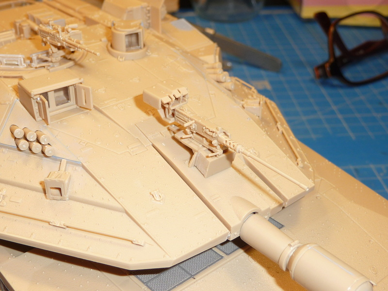 Merkava Mk.4M w/Trophy Active Protection System 1/35 ( Meng TS-036 ) - Page 3 P1270123