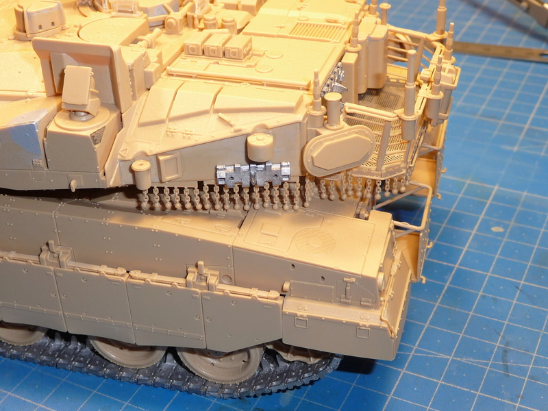 Merkava Mk.4M w/Trophy Active Protection System 1/35 ( Meng TS-036 ) - Page 3 P1270127