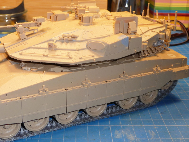 Merkava Mk.4M w/Trophy Active Protection System 1/35 ( Meng TS-036 ) - Page 3 P1270134