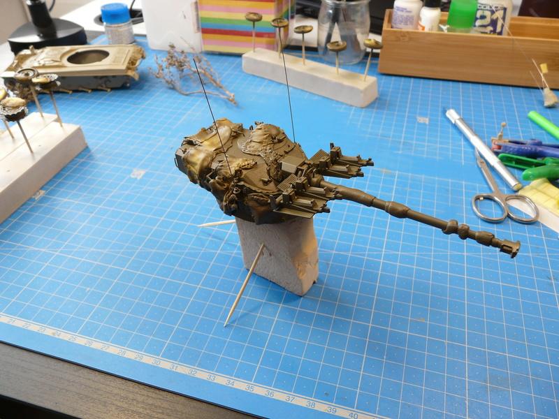 AMX-13/75 w/SS-11 ATGM (Takom 1/35) - Page 3 P1280311