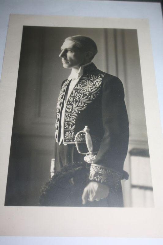 1921, notre ambassadeur au Japon est de retour en France :   038rrs10