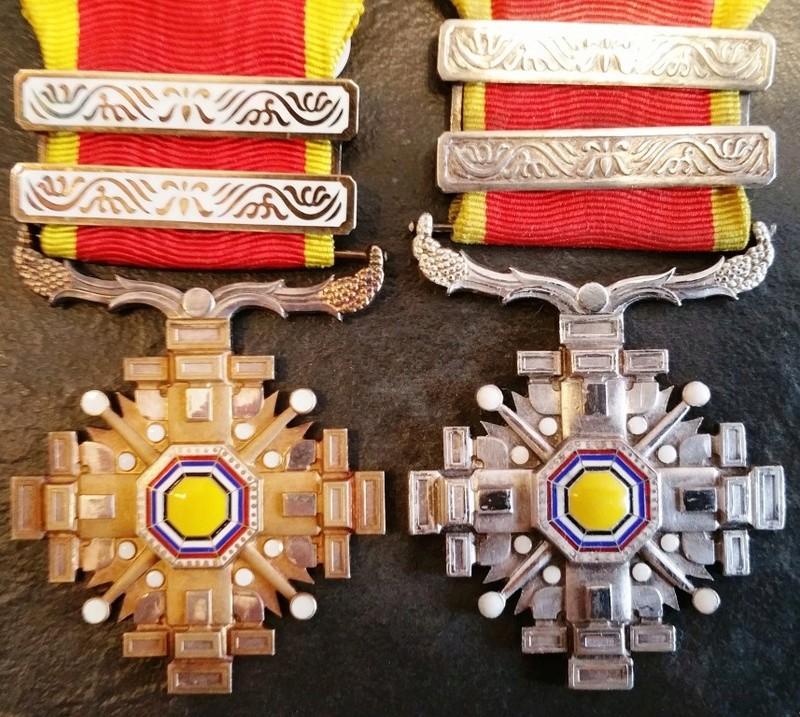 """Empire du Manchukuo, ordre des piliers de l'état   """"満 州 国 柱 國 章"""" 6_pili10"""
