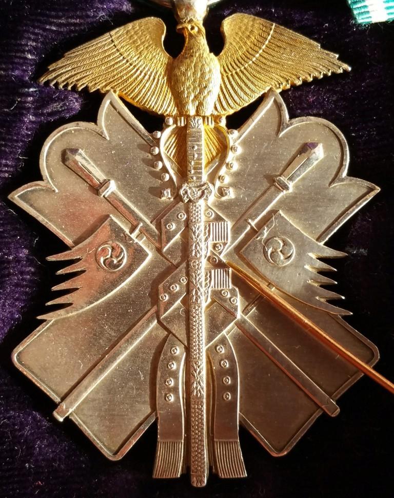 L'ordre du milan d'or et son évolution sous les 3 empereurs : Cercle10