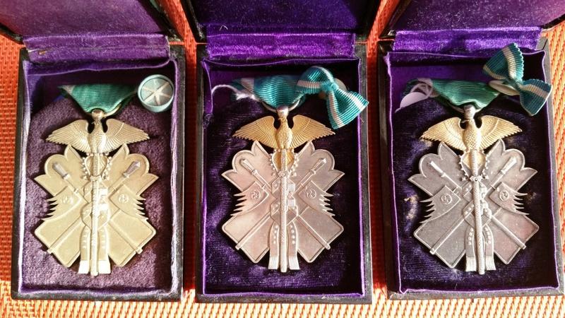 L'ordre du milan d'or et son évolution sous les 3 empereurs : Ere_me10