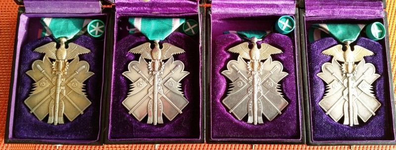L'ordre du milan d'or et son évolution sous les 3 empereurs : Ere_sh10