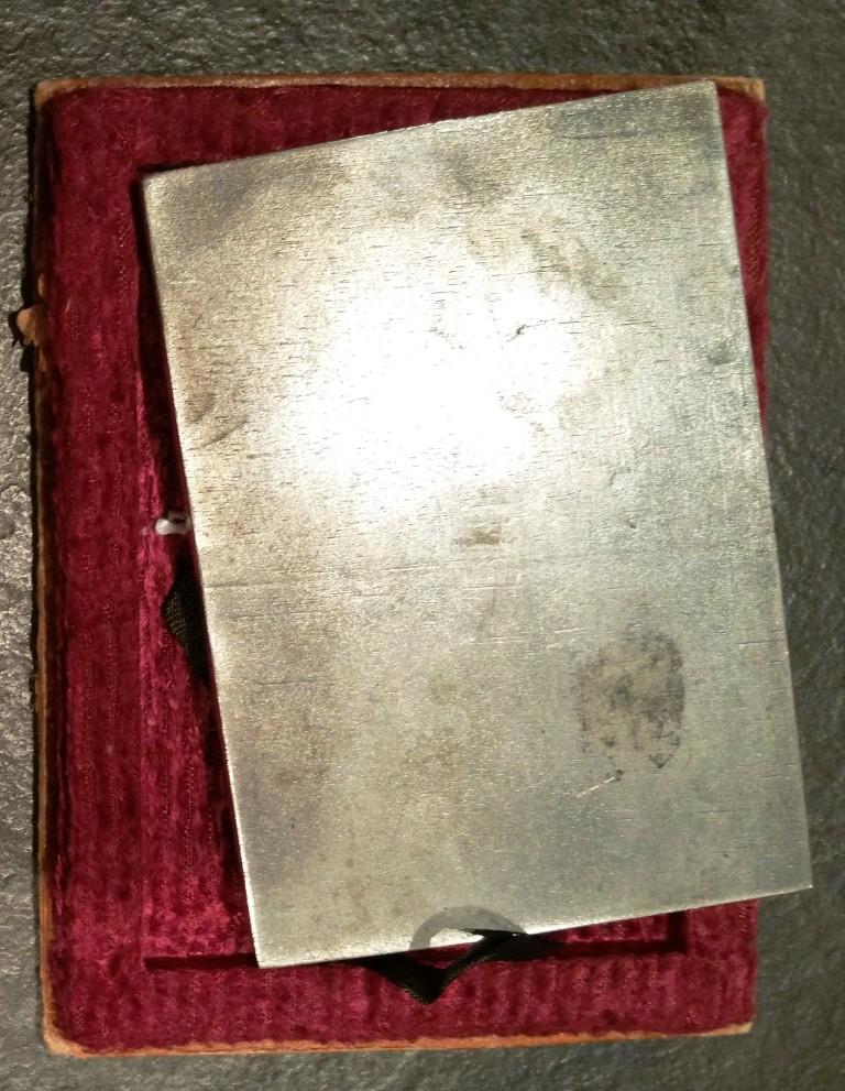 La médaille du bombardement de la concession française de Changhaï le 14 aout 19 Shangh11
