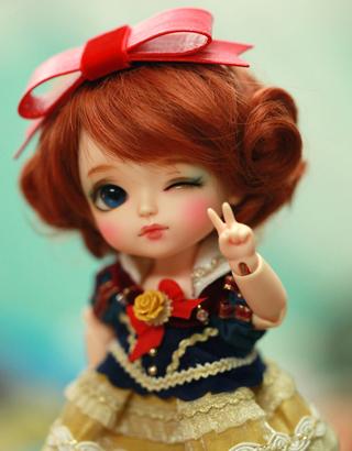 Y'a t-il un moule de poupée qui porte votre prénom? - Page 11 Solati10