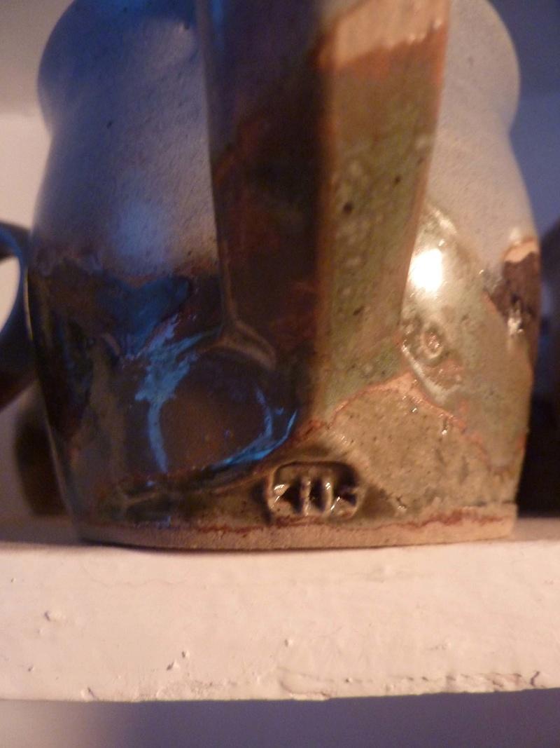 Unknown mark. Mountain scene mugs 003_co10