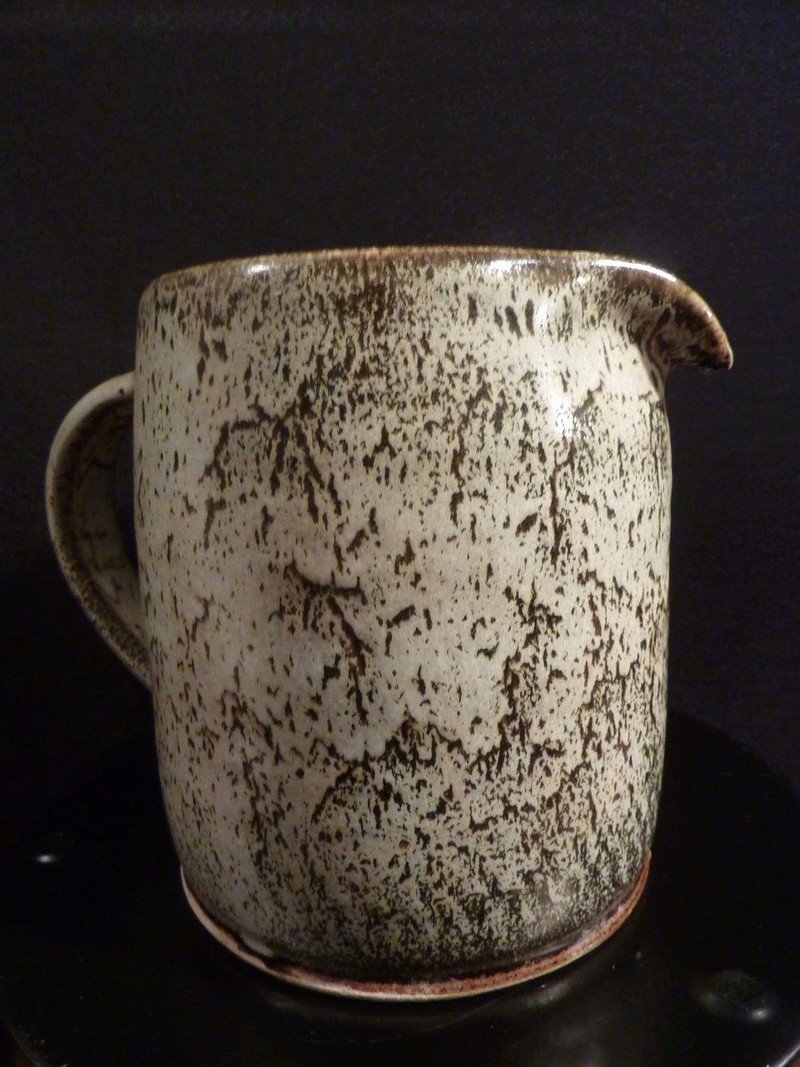 Large pouring jug stamped MD  ? 124_co10