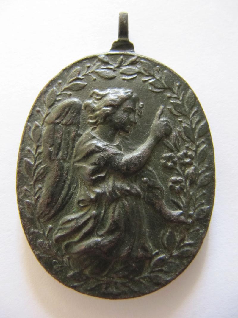 Anunciación: Virgen Maria / Arcángel Gabriel , S. XVII (R.M. SXVII-O461) Medalh13