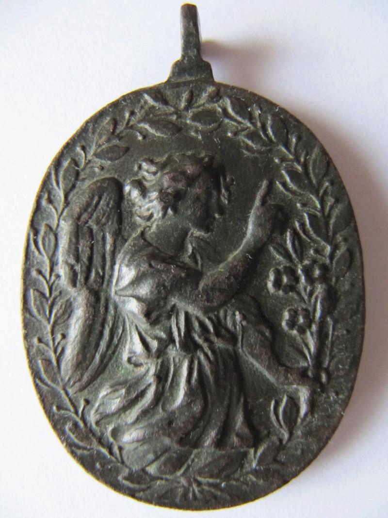 Anunciación: Virgen Maria / Arcángel Gabriel , S. XVII (R.M. SXVII-O461) Medalh17