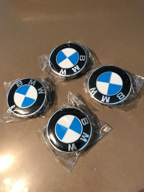 Insigne/logo BMW sur roure arrière Img_2311