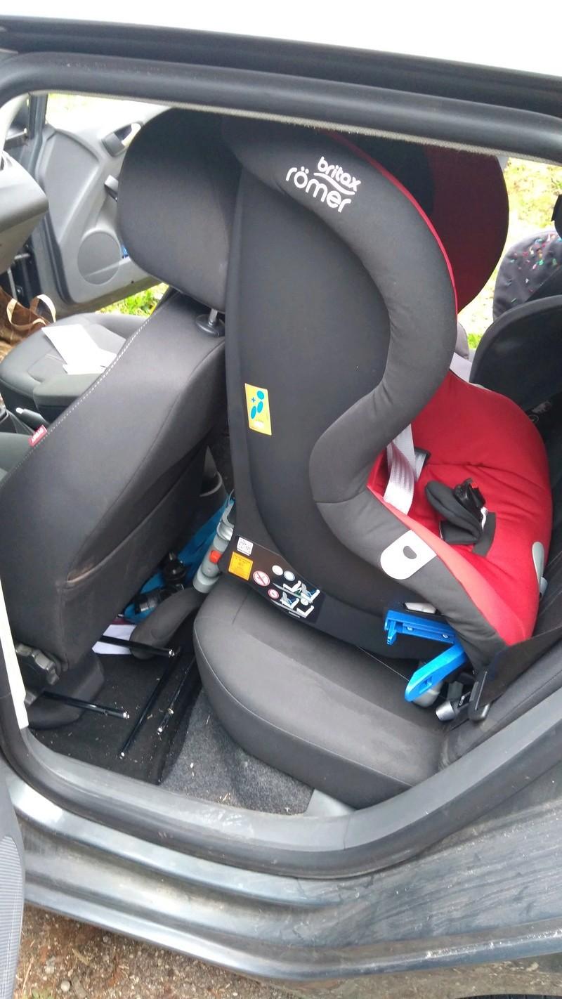 Siege auto apres coque Img_2011