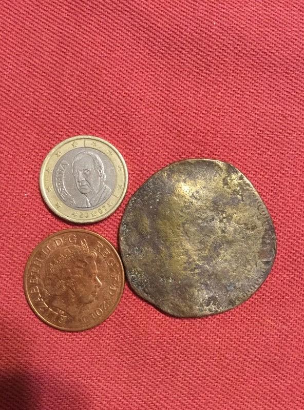 ¿es una moneda? Img_1313