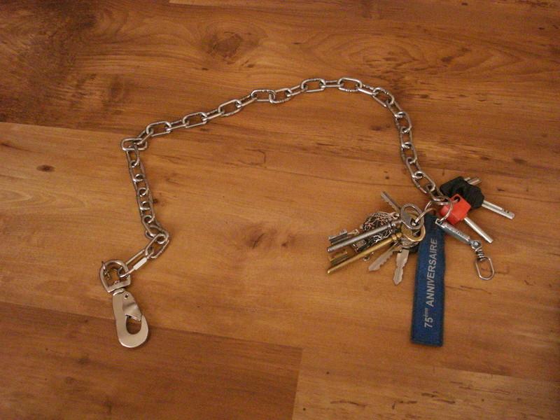 Chaine pour portefeuille Dsc03514