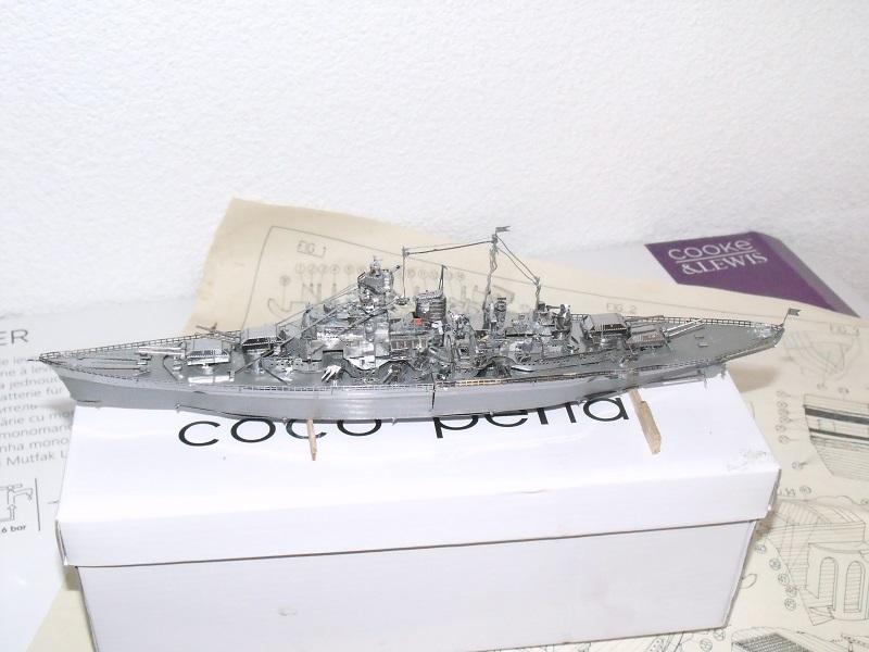 Bismarck métal Dscf5825