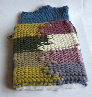 [Vente] Poufs, lit, sac de couchage taille Bratz Dsc_0312