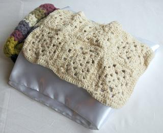 [Vente] Poufs, lit, sac de couchage taille Bratz Dsc_0421