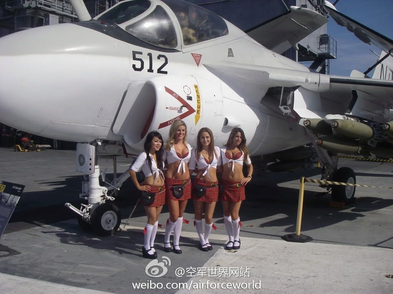 équipage A-6 Intruder au 32 774cf010