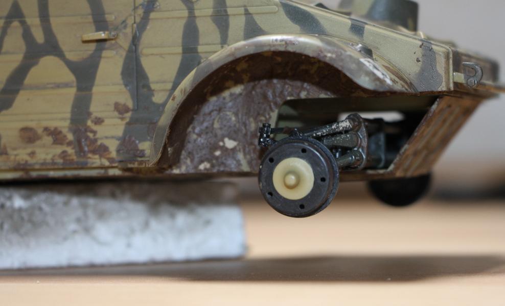 Kübelwagen type 82 1/16 Tamiya - Page 2 Img_6530