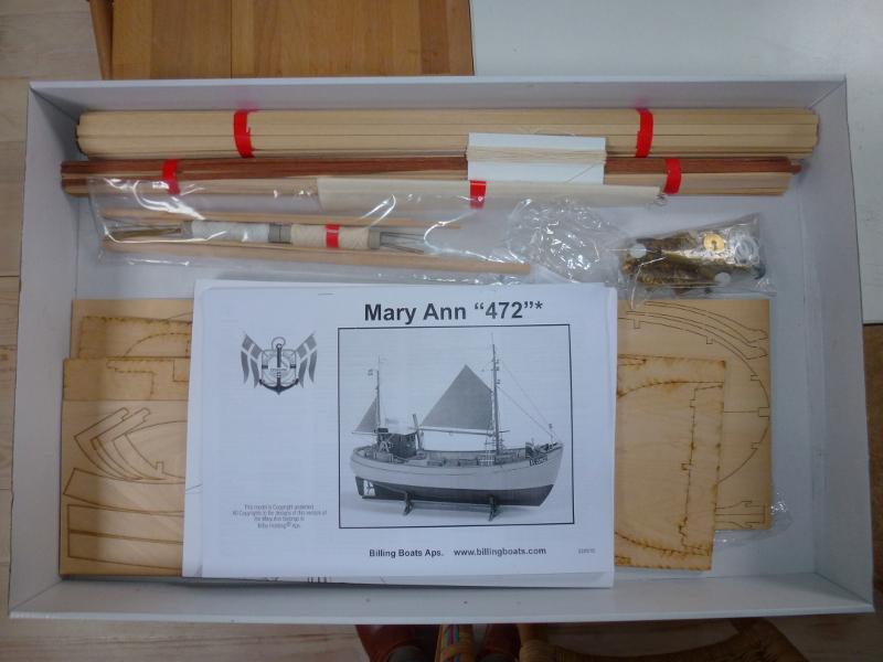 Mary Ann Chalutier de pêche latérale au 1/33 L1070830