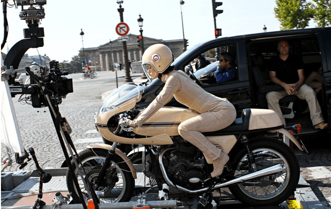 Une moto, une image. Quel film ? - Page 6 Keira110