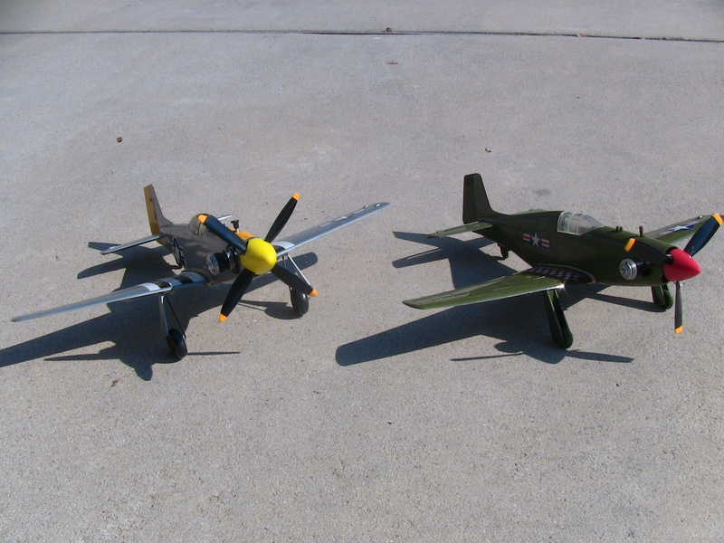 My Cox P-51 Mustangs, slightly modified  Img_0228