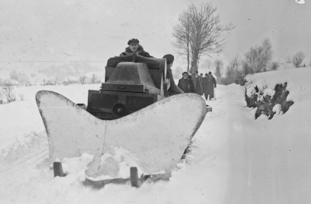 Concours de chars de montagne  au Mont Revard 962