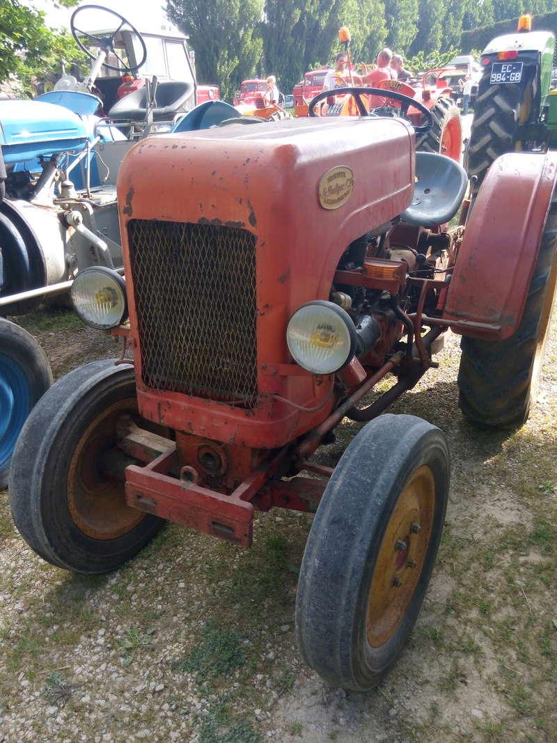 84 - MALAUCENE  Tracteurs, camions, autos, motos.... - Page 3 Img_2604
