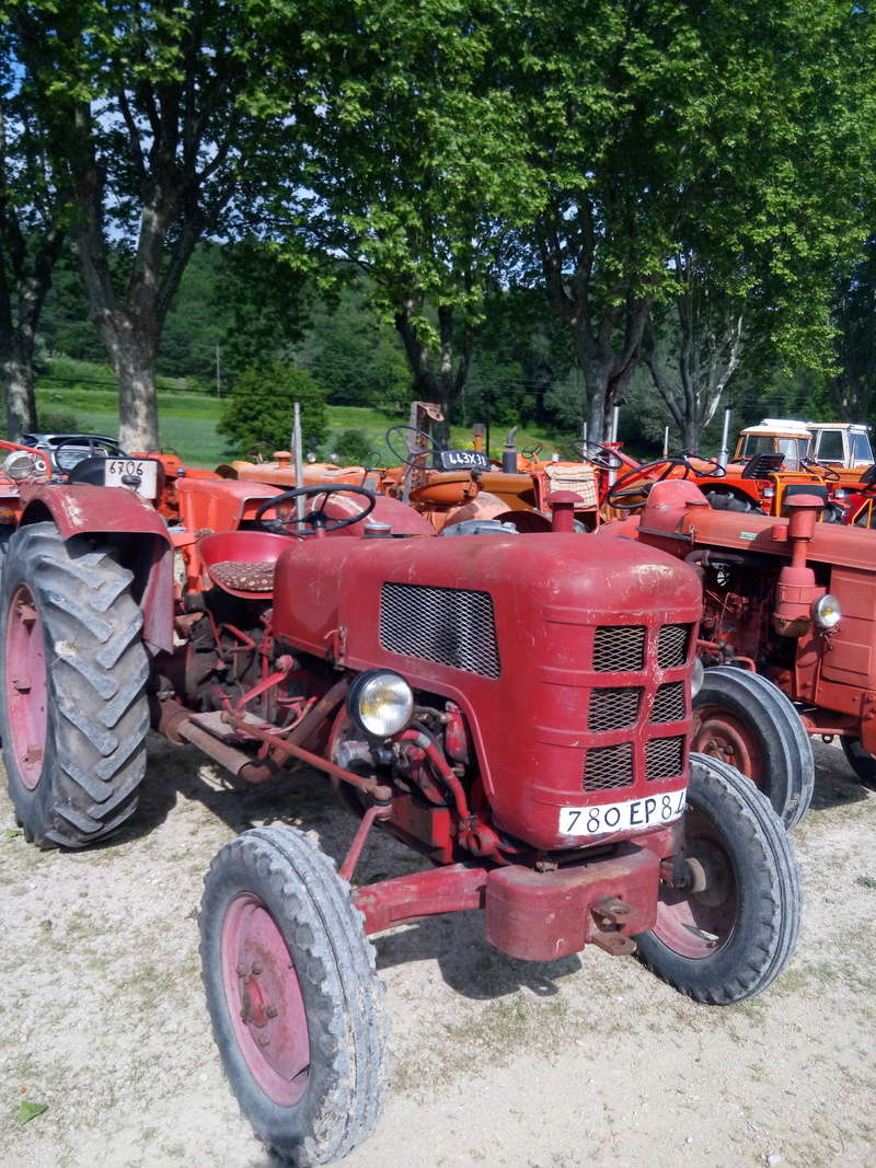 84 - MALAUCENE  Tracteurs, camions, autos, motos.... - Page 3 Img_2611